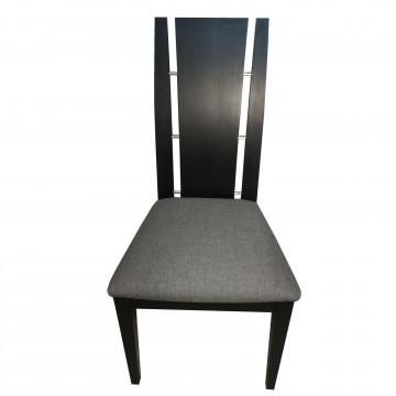 Καρέκλα τραπεζαρίας Κ5 από ξύλο δρυς βεγγε χρώμα μα ψηλή πλάτη και γκρι πάτο.