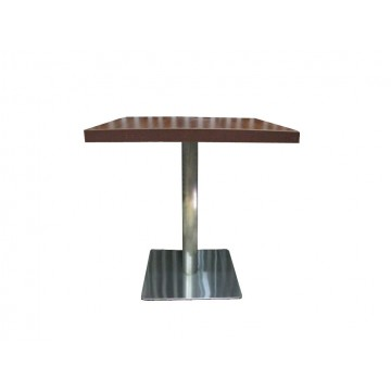τραπέζι με ανοξείδωτη βάση